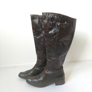 Born crown distressed brown riding tall boots 9